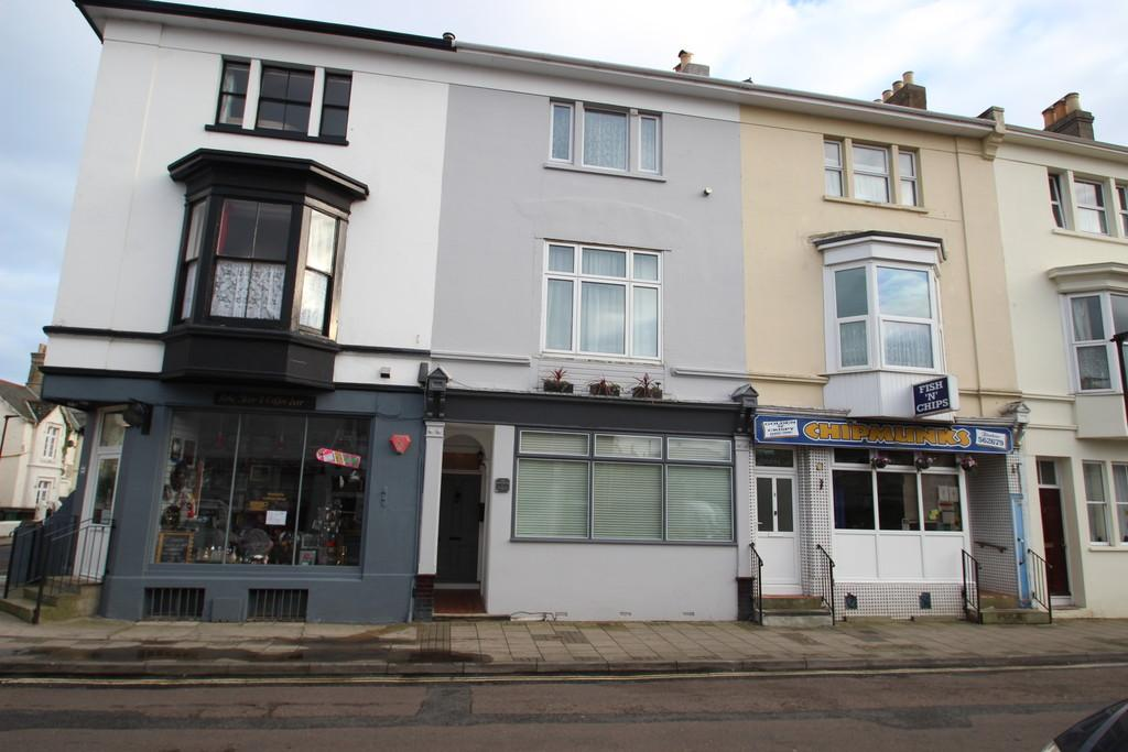 4 Bedrooms Terraced House for sale in Monkton Street, Ryde