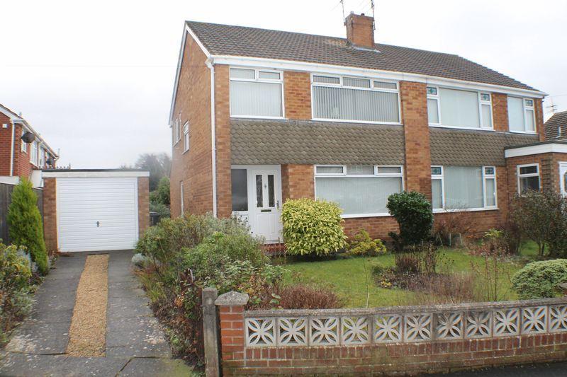 3 Bedrooms Semi Detached House for sale in Holmlands Drive, Prenton