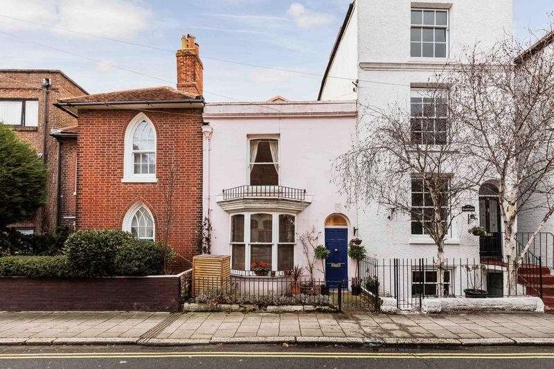 3 Bedrooms Unique Property for sale in Grade II Listed Building - Rose Cottage, Castle Road, Southsea