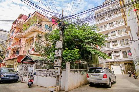 4 bedroom villa  - Chey Chumneas, Daun Penh, Phnom Penh