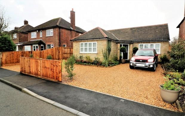 3 Bedrooms Bungalow for sale in Oxford Drive, Melton Mowbray, LE13