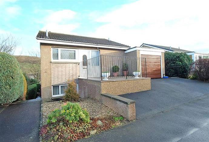 4 Bedrooms Detached House for sale in 18 Windyknowe Road, Galashiels, TD1 1RG