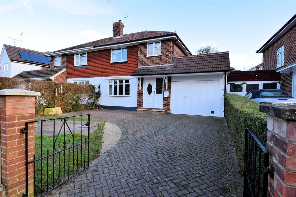 3 Bedrooms Semi Detached House for sale in Overdown Road, Tilehurst, Reading