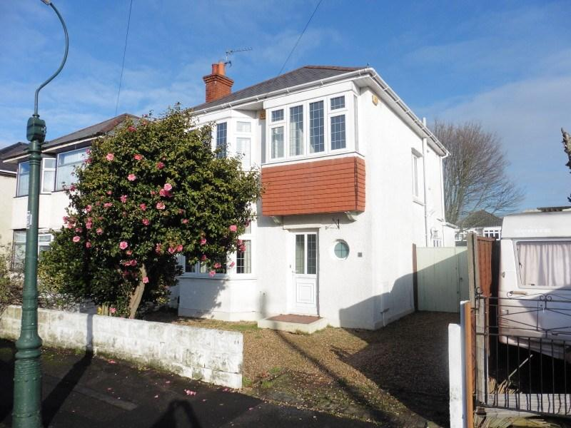 3 Bedrooms Detached House for sale in Barrie Road, Moordown, Bournemouth