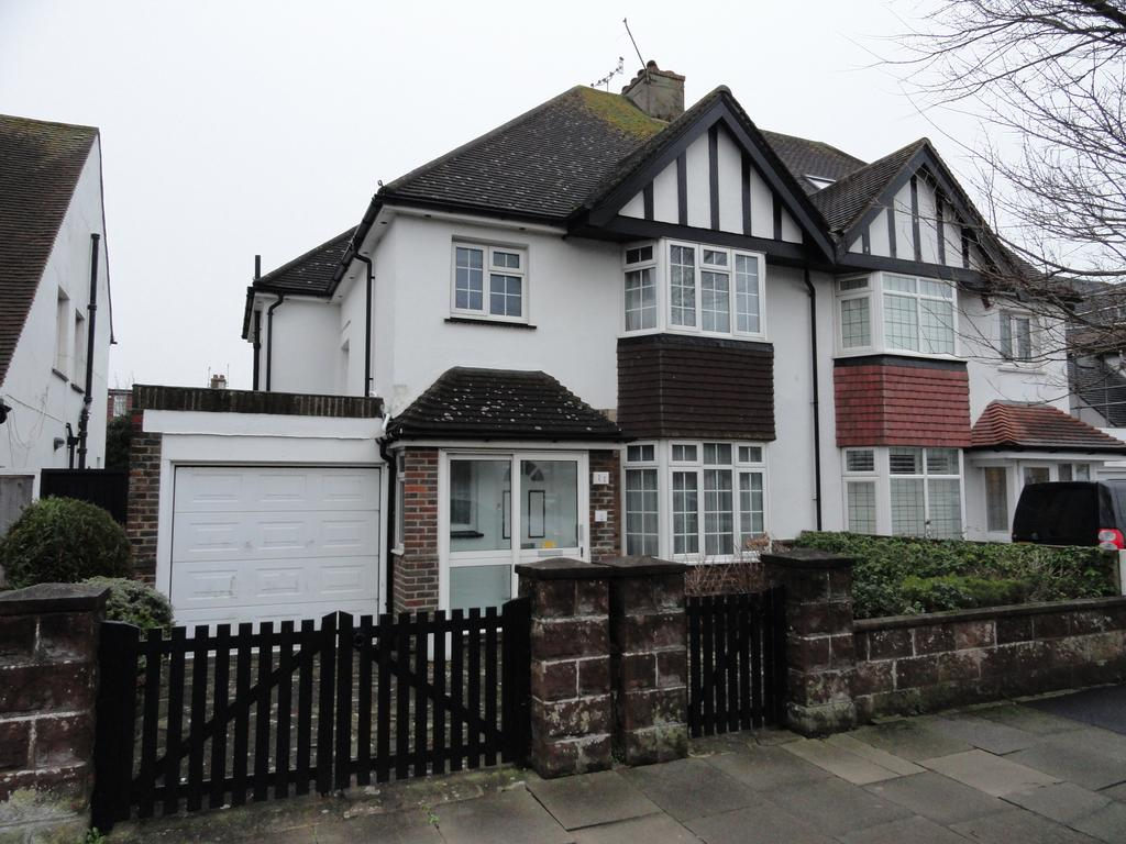 3 Bedrooms Semi Detached House for sale in Derek Avenue, Hove BN3