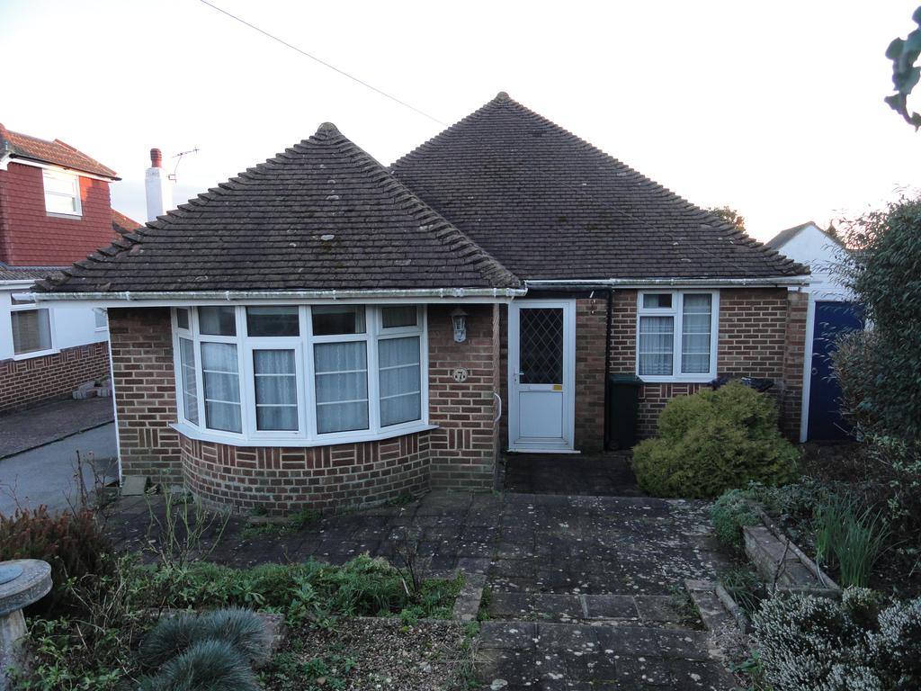 2 Bedrooms Detached Bungalow for sale in Windmill Close, Hove BN3