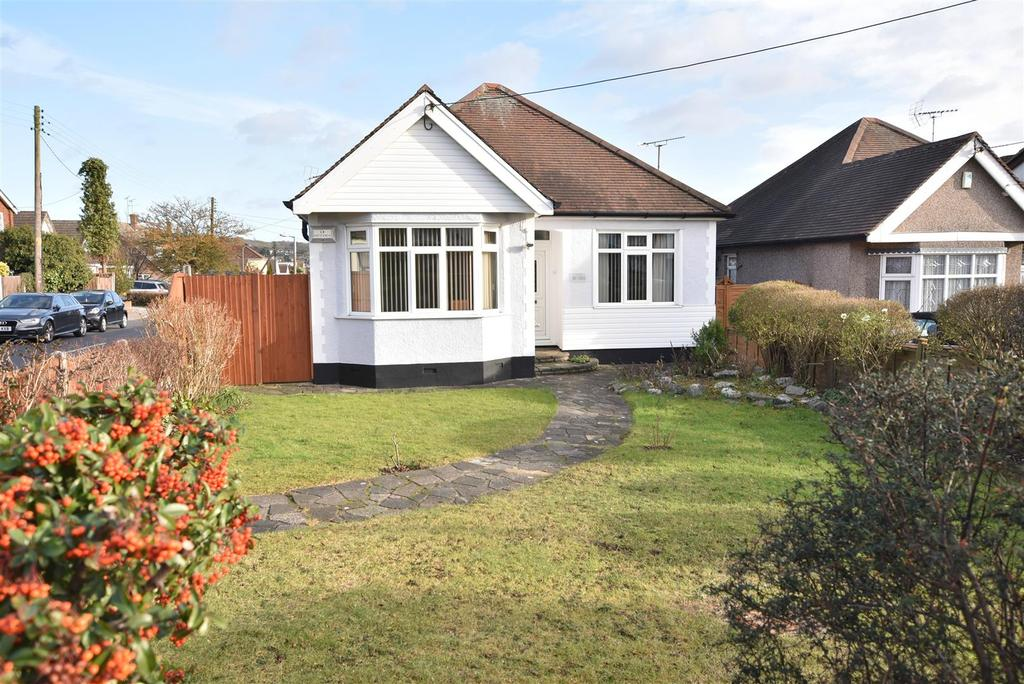 2 Bedrooms Detached Bungalow for sale in Benfleet