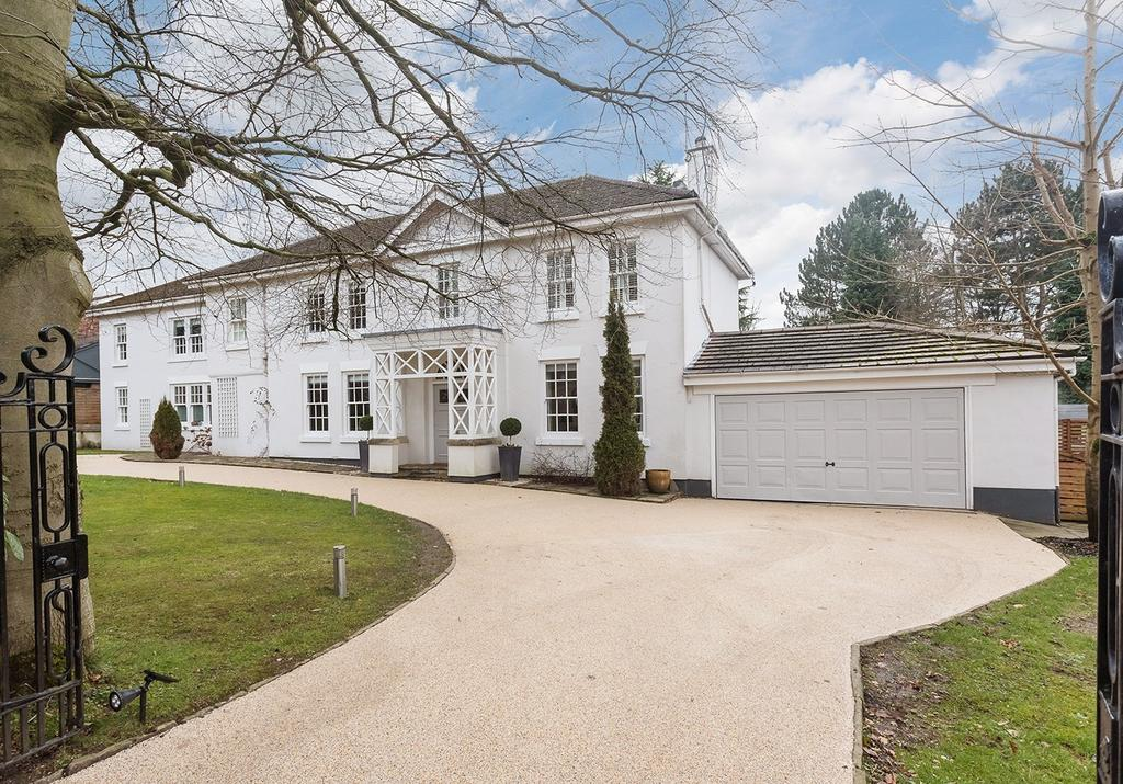 5 Bedrooms Detached House for sale in Butley Lanes, Prestbury