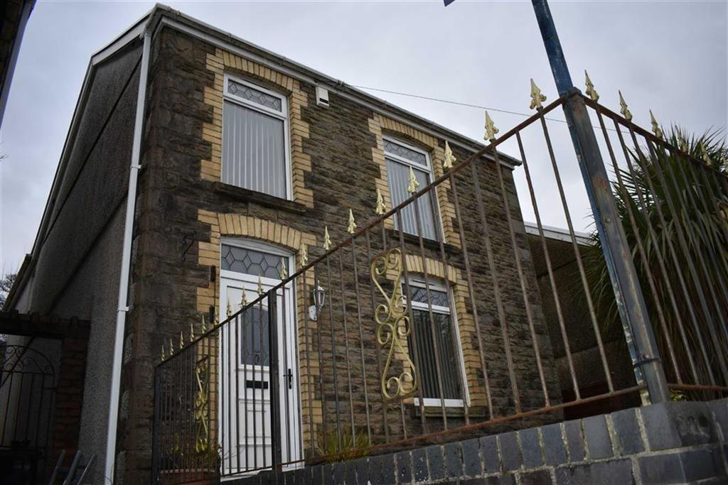 3 Bedrooms Detached House for sale in Clydach Road, Swansea, SA6