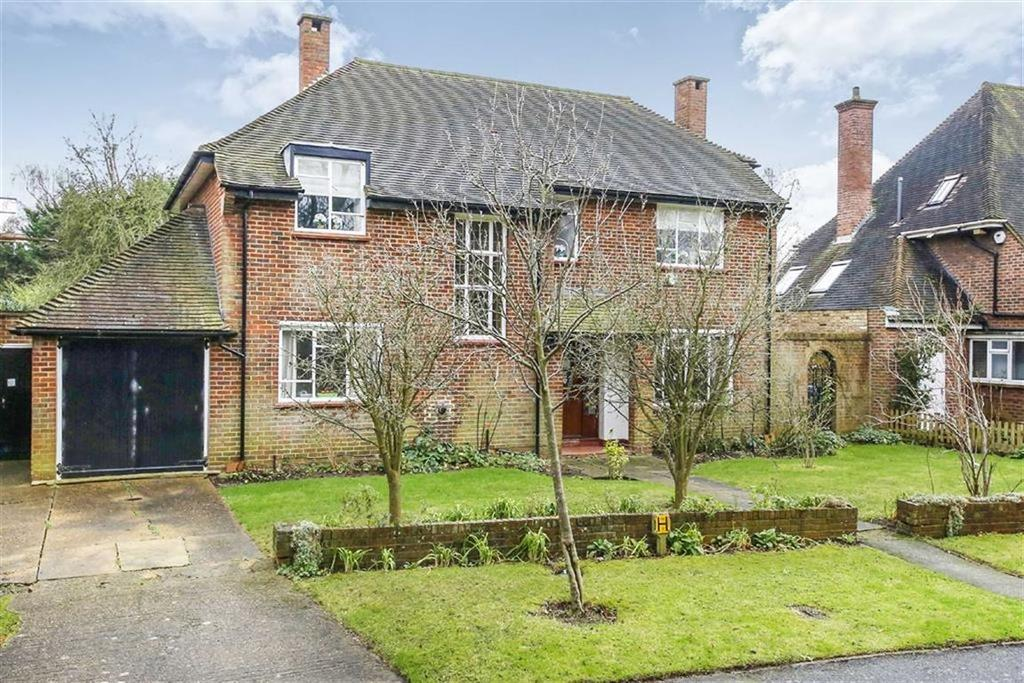 4 Bedrooms Detached House for sale in Frank Dixon Way, London