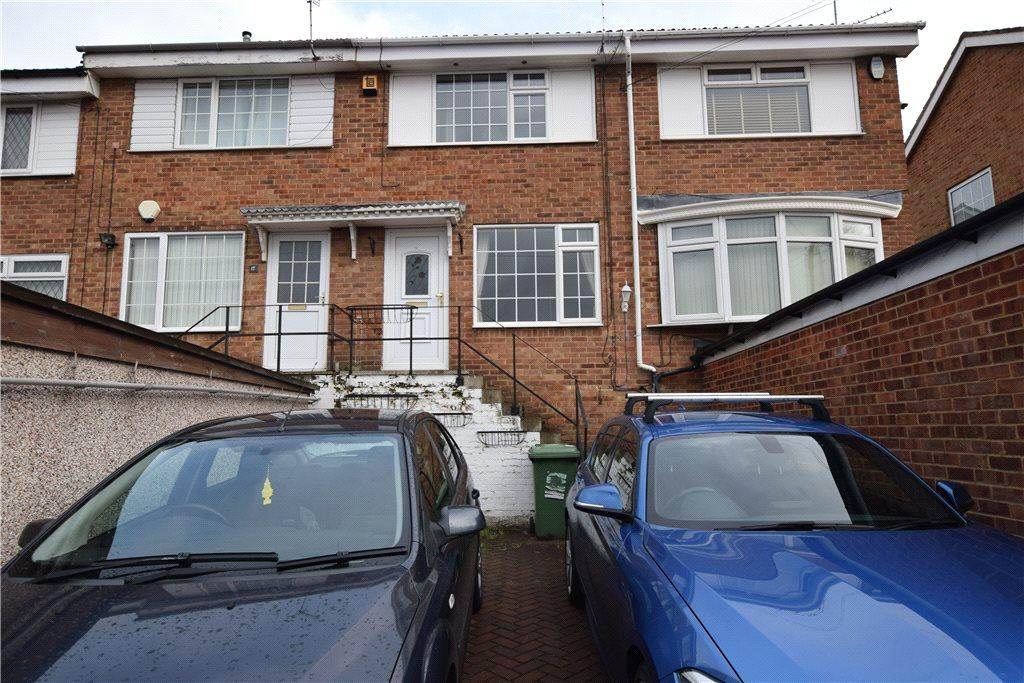 2 Bedrooms Town House for sale in Cliffe Park Drive, Leeds