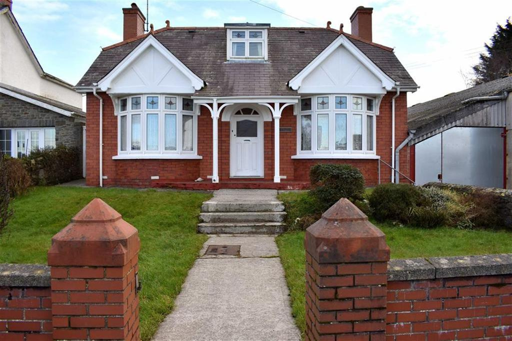 3 Bedrooms Detached House for sale in Llwyncelyn, Aberaeron, Ceredigion