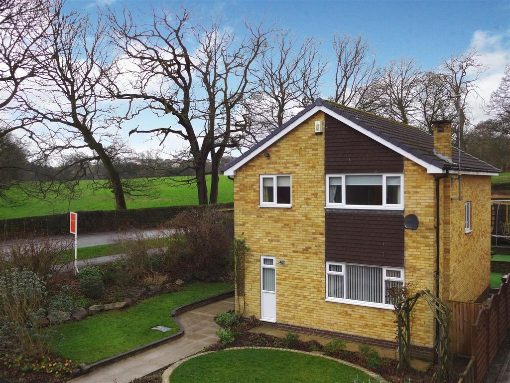 4 Bedrooms Detached House for sale in Coach Road, Guiseley, Leeds