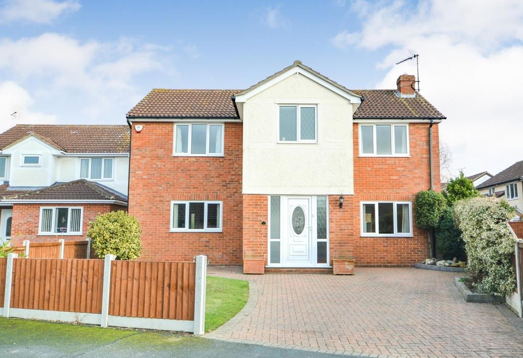 4 Bedrooms Detached House for sale in Thames Close, Braintree, CM7