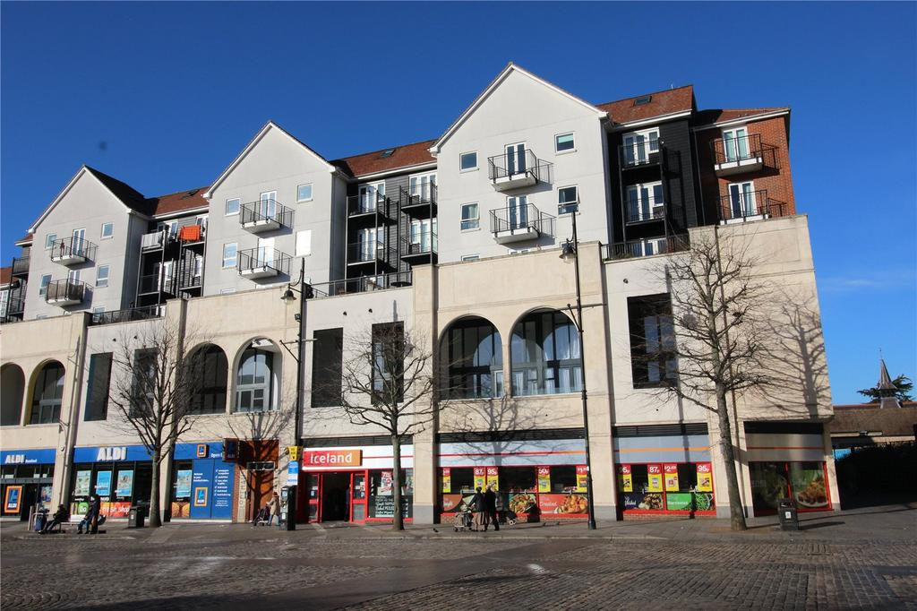 1 Bedroom Apartment Flat for sale in Nayland Court, Market Place, Romford, RM1