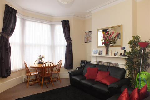2 bedroom flat to rent - Harlesden