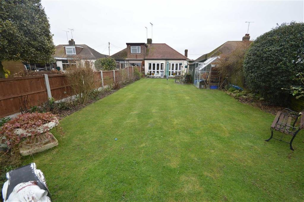 3 Bedrooms Semi Detached Bungalow for sale in Oxford Road, Ashingdon, Essex