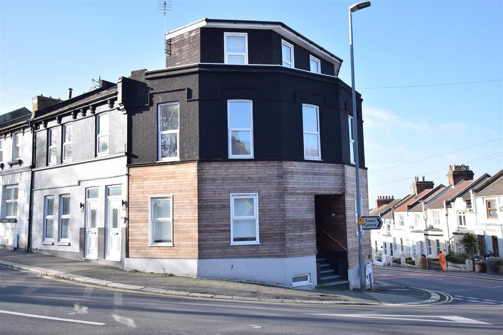 3 Bedrooms Flat for sale in Priory Road, Hastings