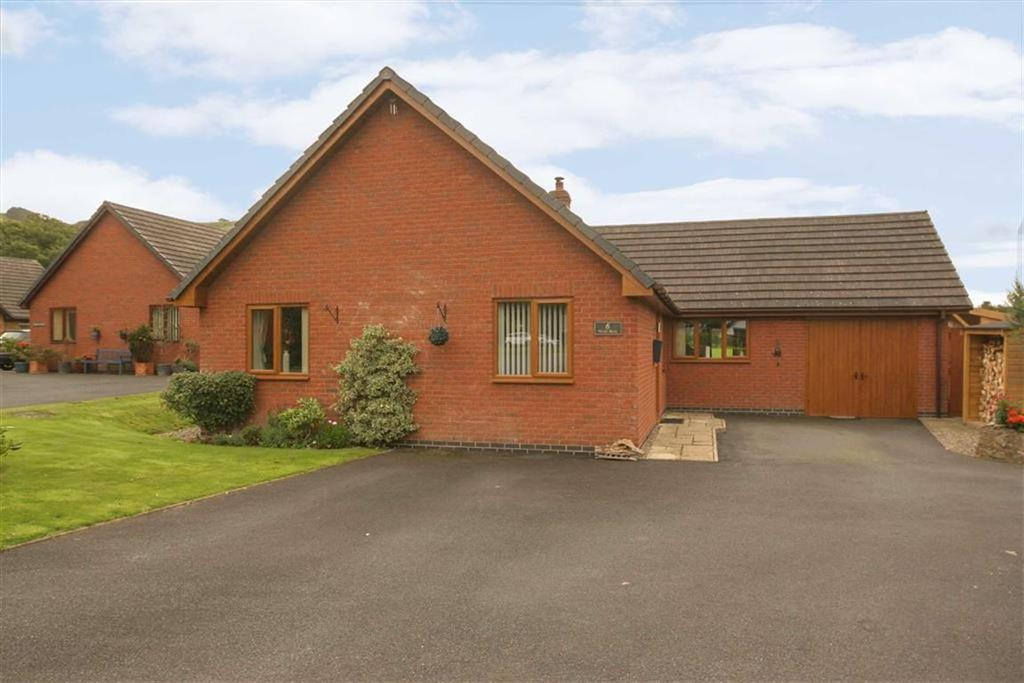 3 Bedrooms Detached Bungalow for sale in Lords Land, WHITTON, Whitton, Powys