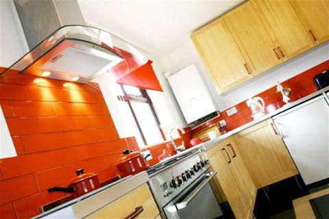 8 bedroom house share to rent - Plattbrook Close, Manchester