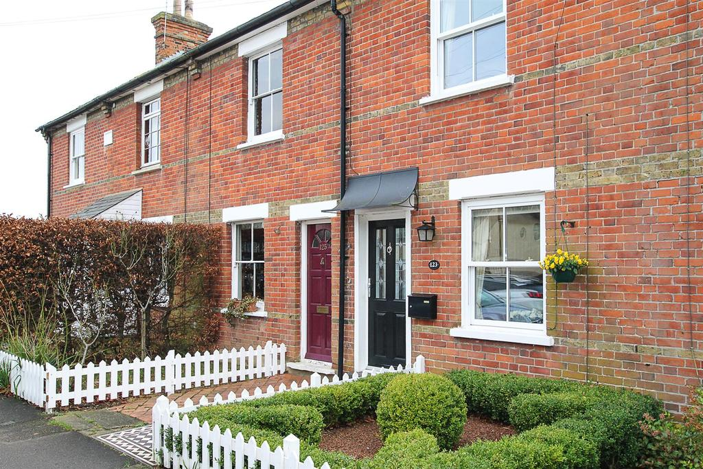 2 Bedrooms House for sale in Woodman Road, Warley, Brentwood