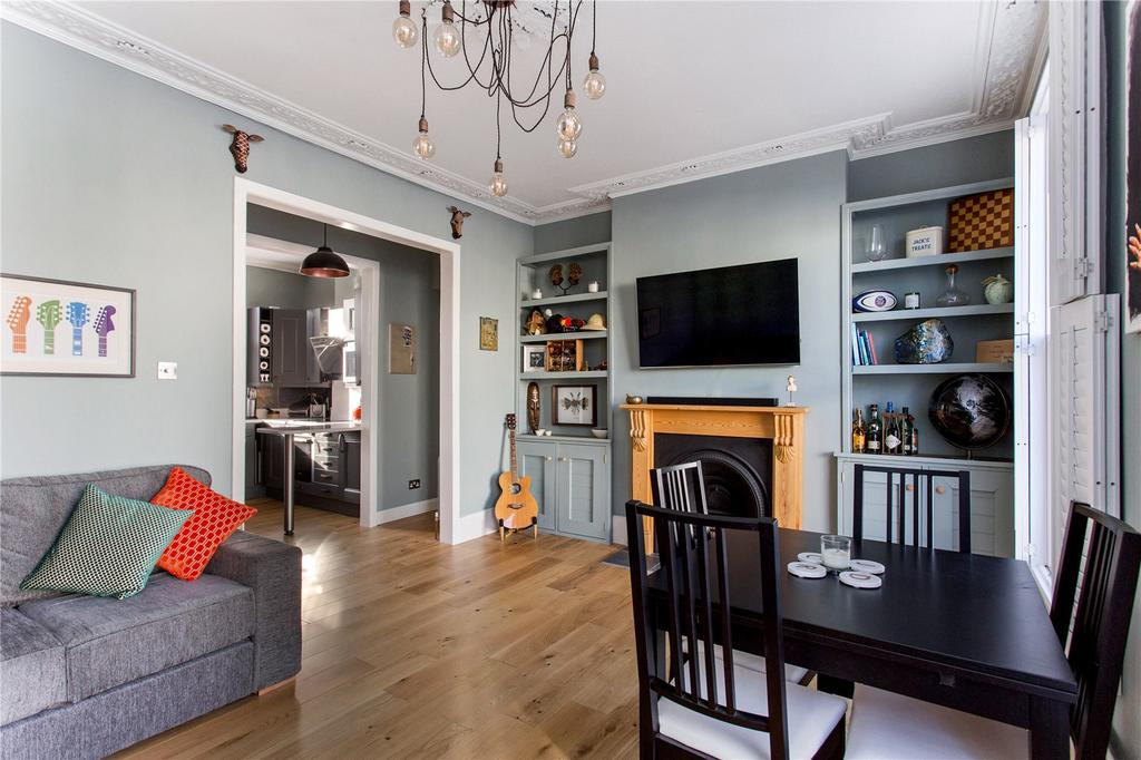 2 Bedrooms Flat for sale in Fernlea Road, Balham, London, SW12
