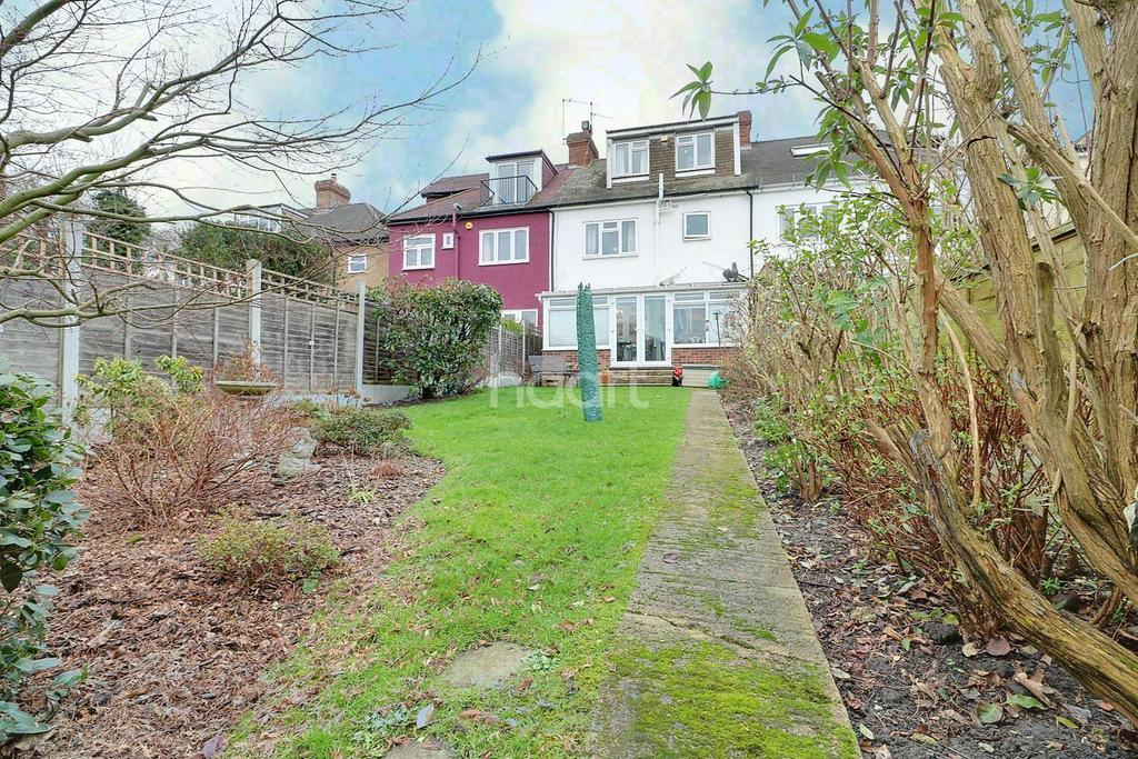 5 Bedrooms Terraced House for sale in Love Lane,Woodford Green IG8