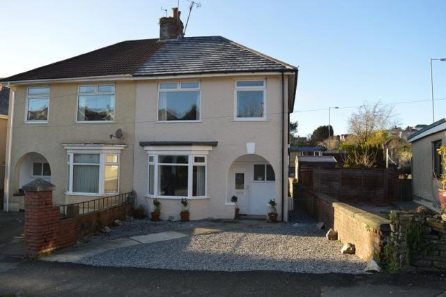 3 Bedrooms Semi Detached House for rent in Vivian Road, Sketty, Swansea, SA2 0UN
