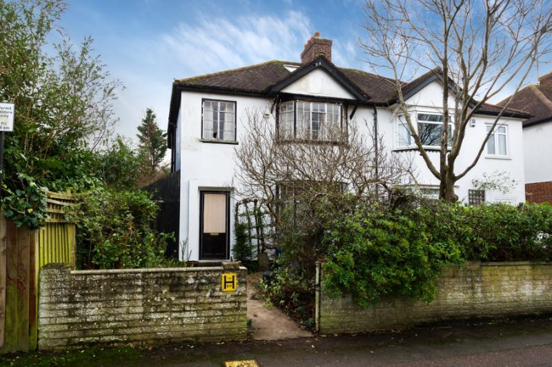 3 Bedrooms Semi Detached House for sale in Wentworth Road, Oxford, Oxfordshire