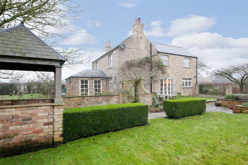 4 Bedrooms Detached House for sale in Fir Tree Cottage, Allerthorpe, York