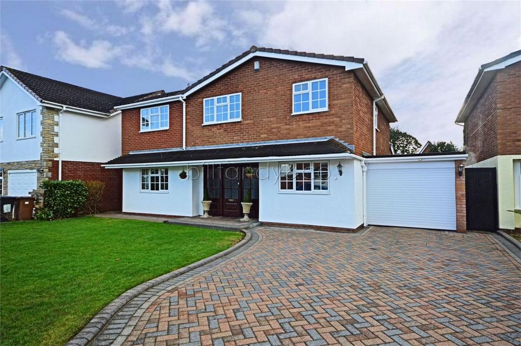4 Bedrooms Detached House for sale in Tame Avenue, Burntwood, Staffordshire