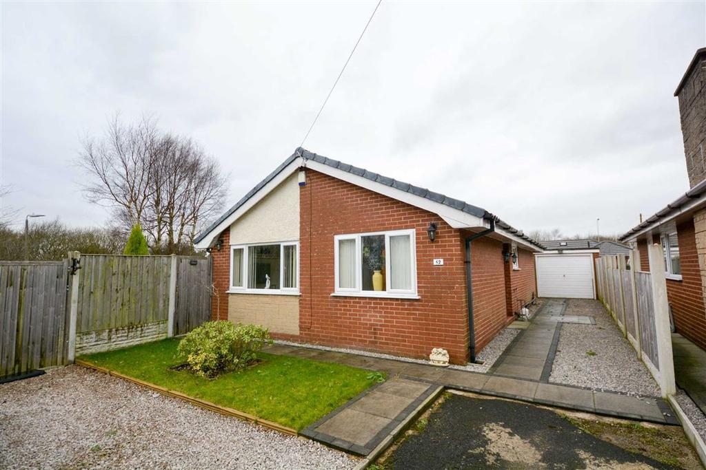 3 Bedrooms Detached Bungalow for sale in Quakerfields, Westhoughton, Bolton, BL5