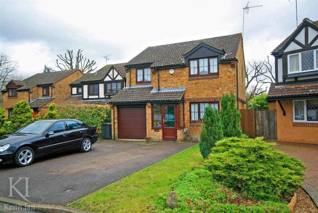 4 Bedrooms Detached House for sale in Bridle Way, Great Amwell - Double Storey Rear Extension / Woodland Garden Presdales Catchment!