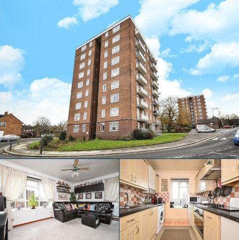 2 bedroom flat for sale - Strongbow Crescent London SE9