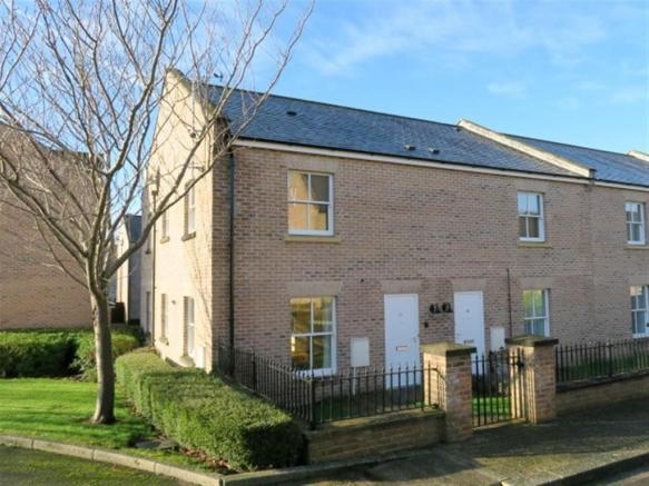 2 Bedrooms Ground Flat for sale in St Joseph's Field, Taunton TA1