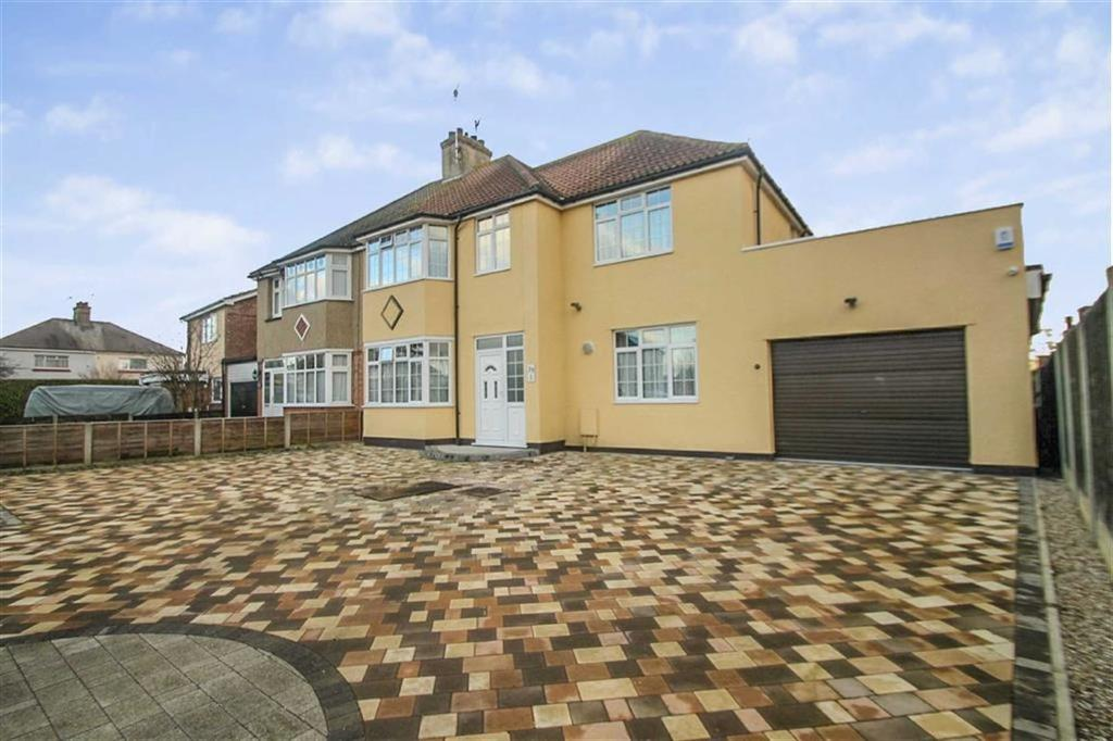 5 Bedrooms Semi Detached House for sale in Douglas Road, Clacton-on-Sea