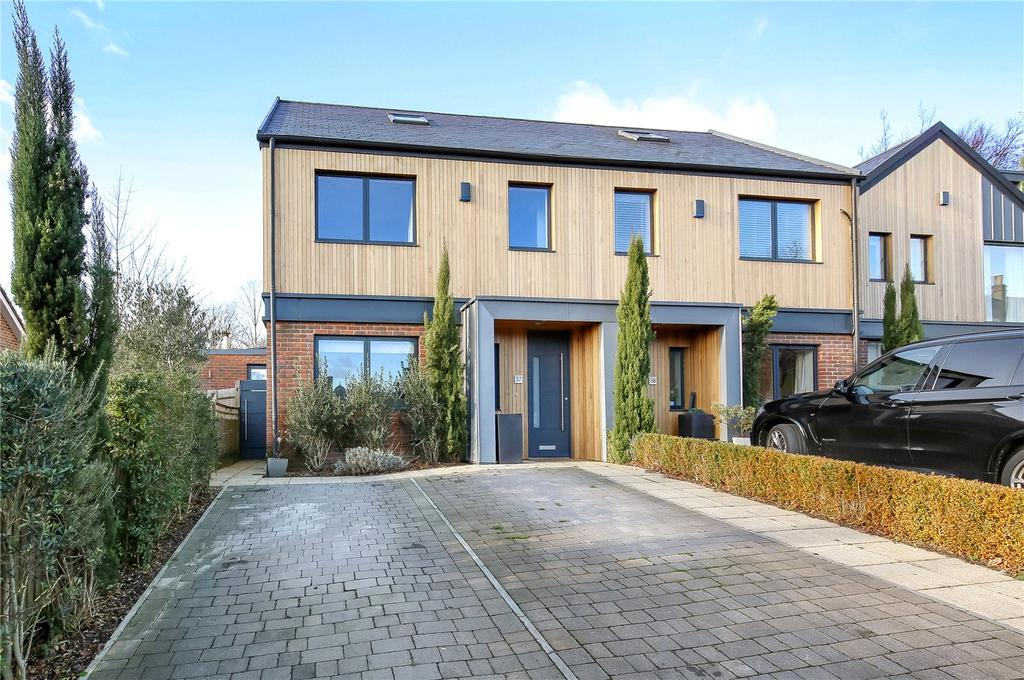 4 Bedrooms Semi Detached House for sale in Queens Road, Winchester, Hampshire, SO22