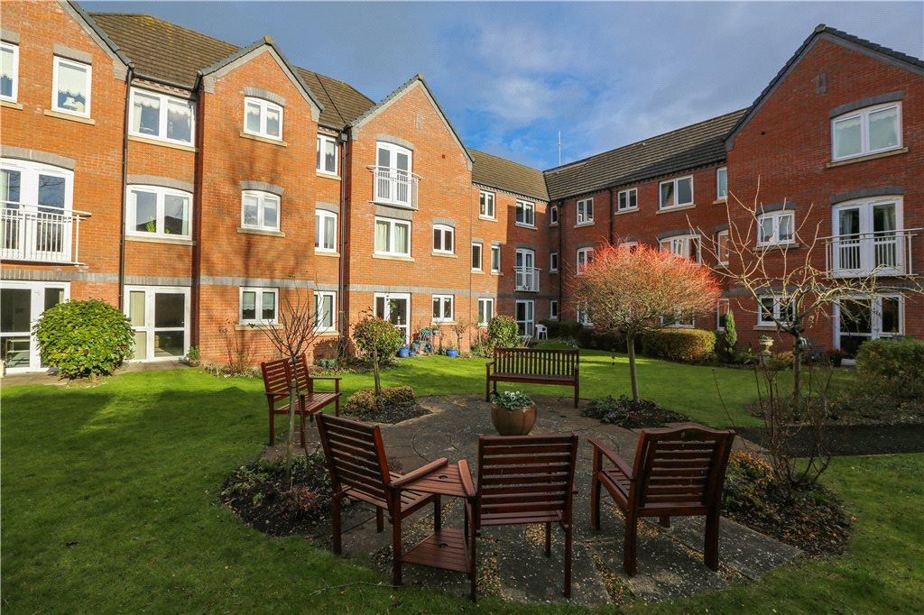 1 Bedroom Apartment Flat for sale in Whittingham Court, Tower Hill, Droitwich, Worcestershire, WR9