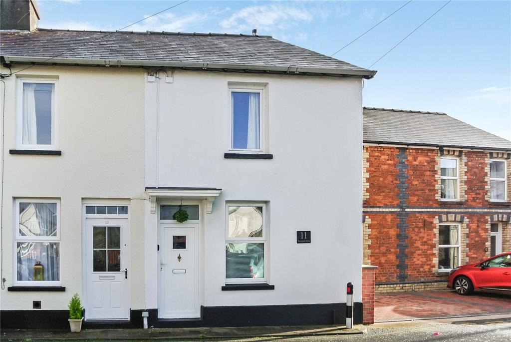 2 Bedrooms Terraced House for sale in Newmarch Street, Brecon, Powys