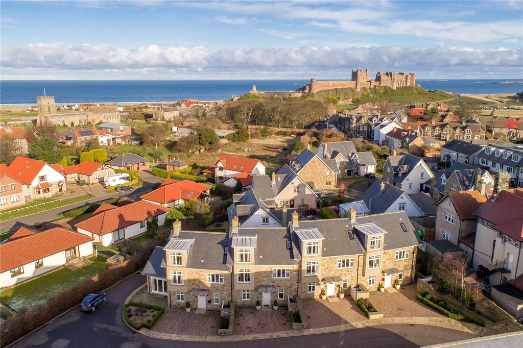 4 Bedrooms House for sale in The Bebbonburg, Mizen Court, Bamburgh, Northumberland