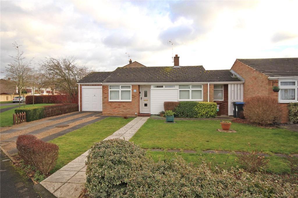 2 Bedrooms Bungalow for sale in Daniells, Welwyn Garden City, Hertfordshire