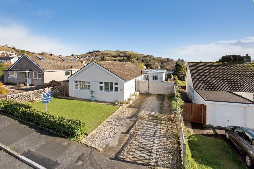 4 Bedrooms Detached Bungalow for sale in Bishops Avenue, Bishopsteignton, TQ14 9RE