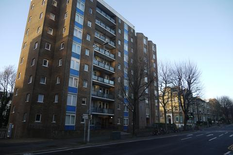 2 bedroom apartment to rent - Marlborough Court, The Drive, Hove, BN3