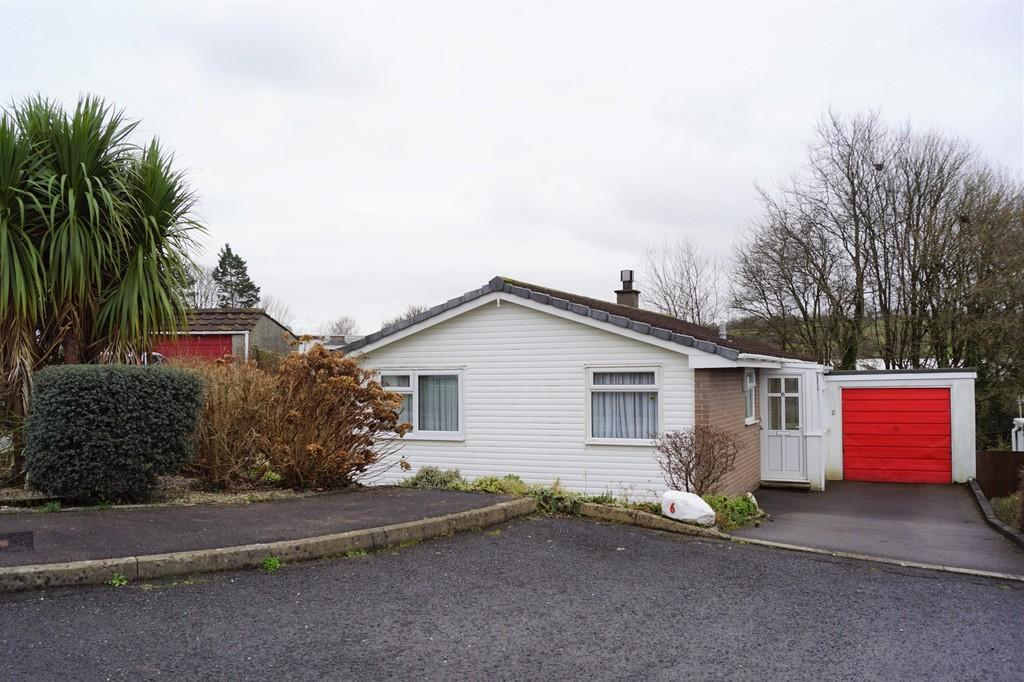 2 Bedrooms Detached Bungalow for sale in Tavistock