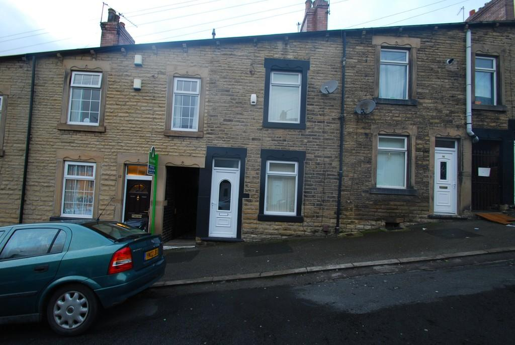 2 Bedrooms Terraced House for sale in Windermere Road, Barnsley S71