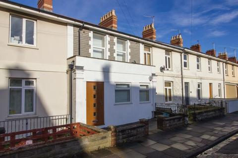 2 bedroom terraced house to rent - Queens Road, Penarth