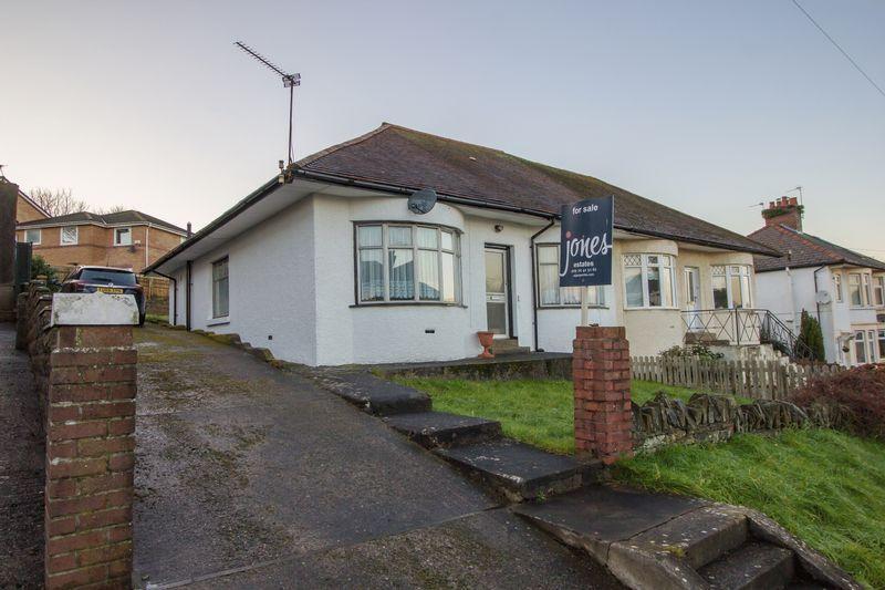 3 Bedrooms Semi Detached Bungalow for sale in Penlan Road, Penarth