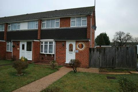 3 bedroom end of terrace house to rent - Fairwater Drive  Woodley  Reading