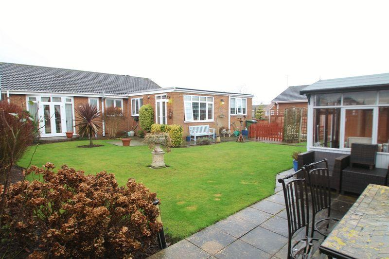 2 Bedrooms Detached Bungalow for sale in Severn Grove, Wolviston Court