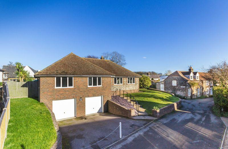 3 Bedrooms Detached Bungalow for sale in St Margaret's at Cliffe